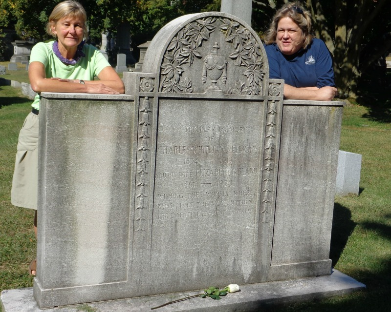 Elizabeth Bisland's tomb with Rosemary and Susan Olsen